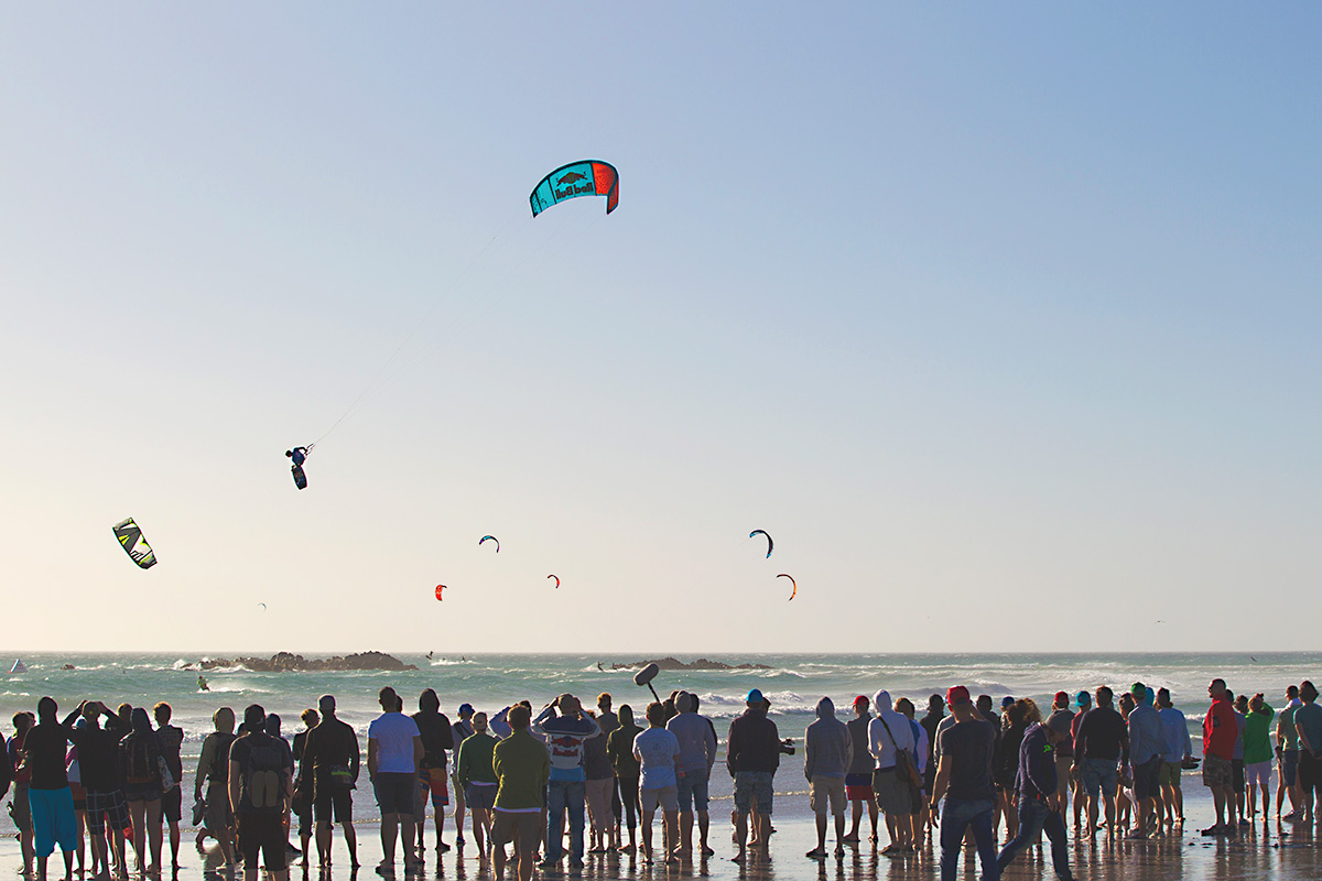 Aaron Hadlow's mega loop KGB in the final of the Red Bull King of the Air 2015 kitesurfing event