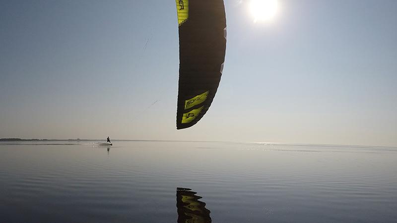 Flysurfer - Sundowner in Mirrorland