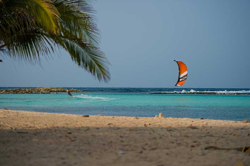 Peter-Lynn-Kiteboarding-Aruba-Zout-Fotografie-(3-van-383)-Baby-Beach