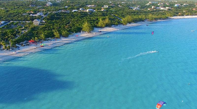 Kitesurfing at Long Bay Beach - Turks and Caicos islands