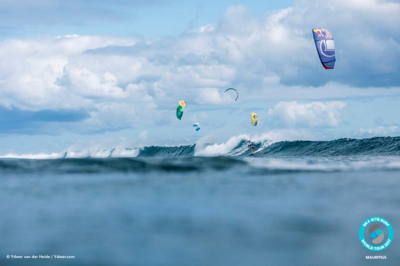 Gisela Pulido in heat 14B GKA Kite-Surf