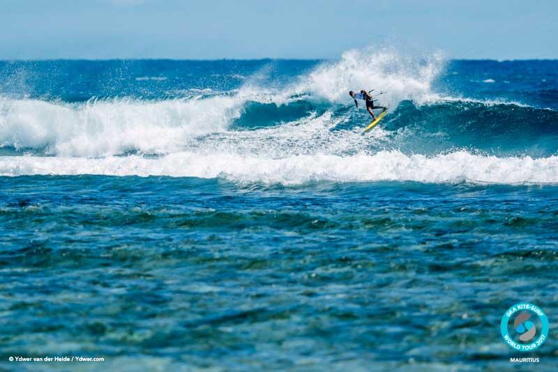 Paulino Pereira takes on Sebastian Ribeiro GKA Kite-Surf