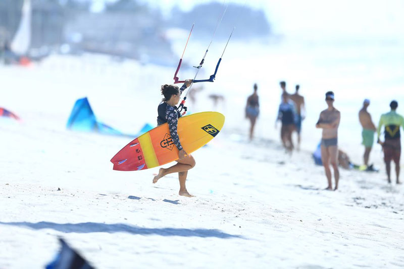 Surfin Sem Fim - Kiting is a women's thing!