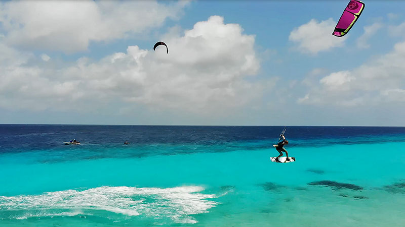 Flysurfer - Dylan van der Meij