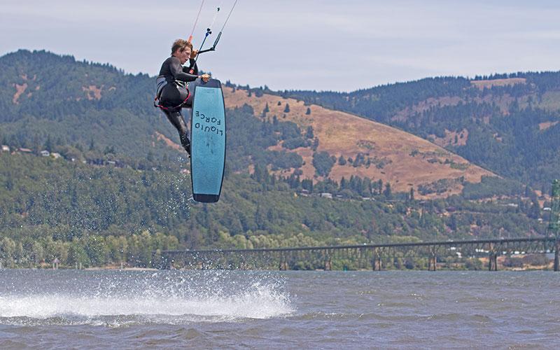 Brandon Scheid nose grab kitesurfing technique