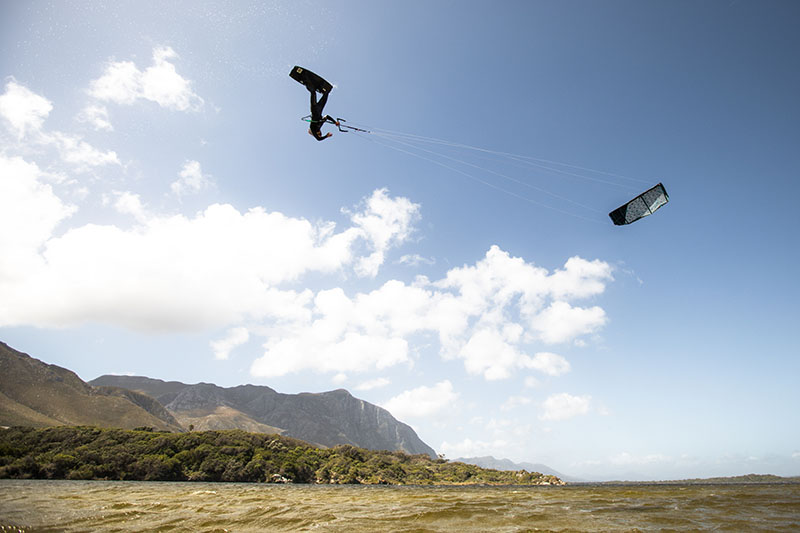 Guide to Kitesurfing in Cape Town