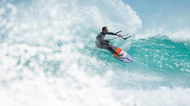 Carl Ferreira kitesurfing